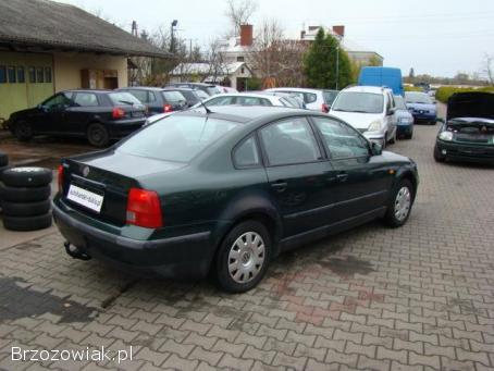 Volkswagen Passat Sedan 1,  6 SR 1997